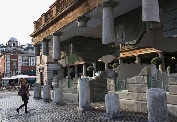 arquitetura_casa_ilusão_ótica_ alex_chinneck_tramp (3)